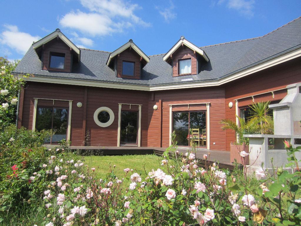 """TOURC'H Maison """"Finlandaise"""" de 280 m² sur terrain de 7164 m²"""