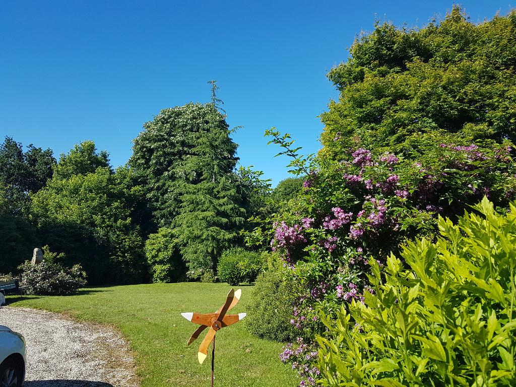 Concarneau, proche de Lanriec, terrain de 1245 m² dans cadre verdoyant