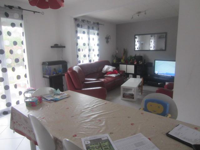 Concarneau, en impasse, maison familiale entièrement rénovée en 2010