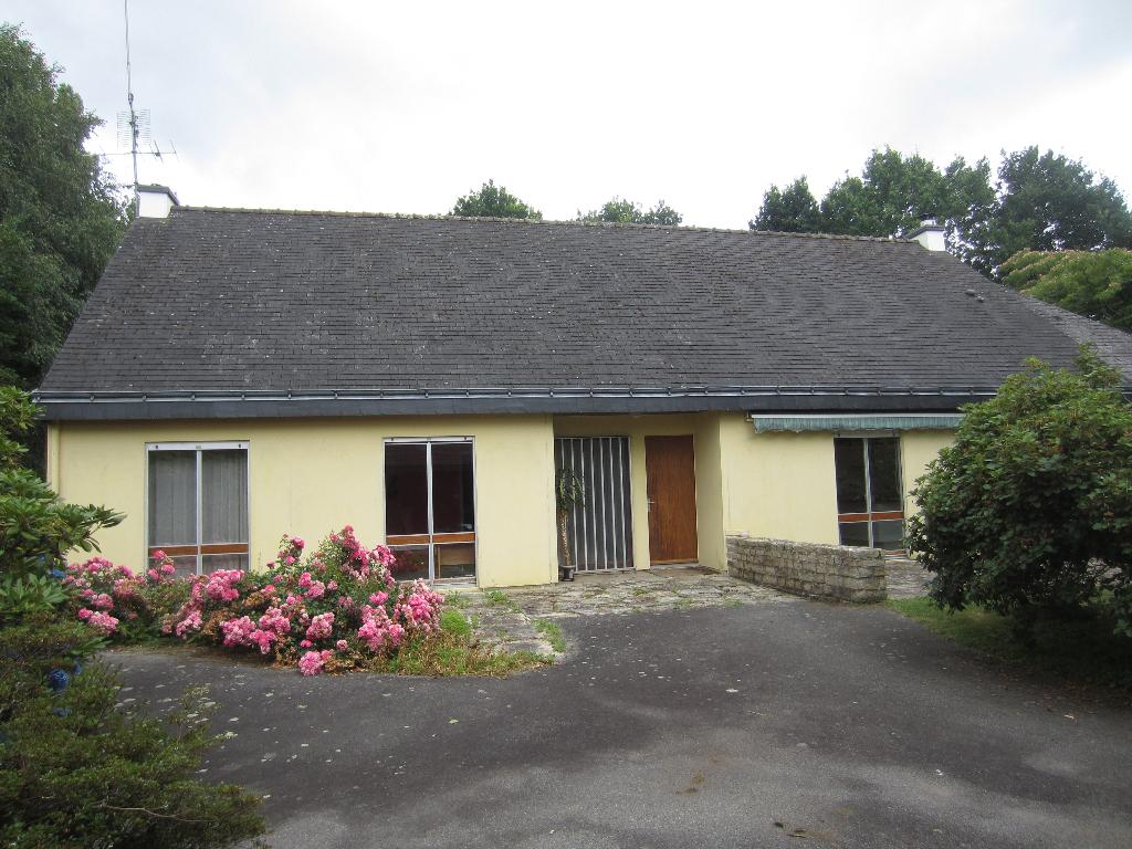 Maison de plain pied Rosporden 188 m²