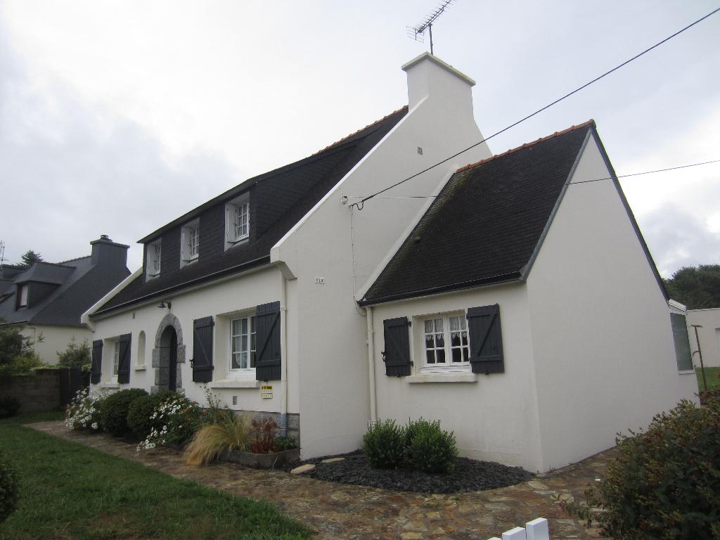 Maison avec vie de plain pied  de 125 m² à  Rosporden
