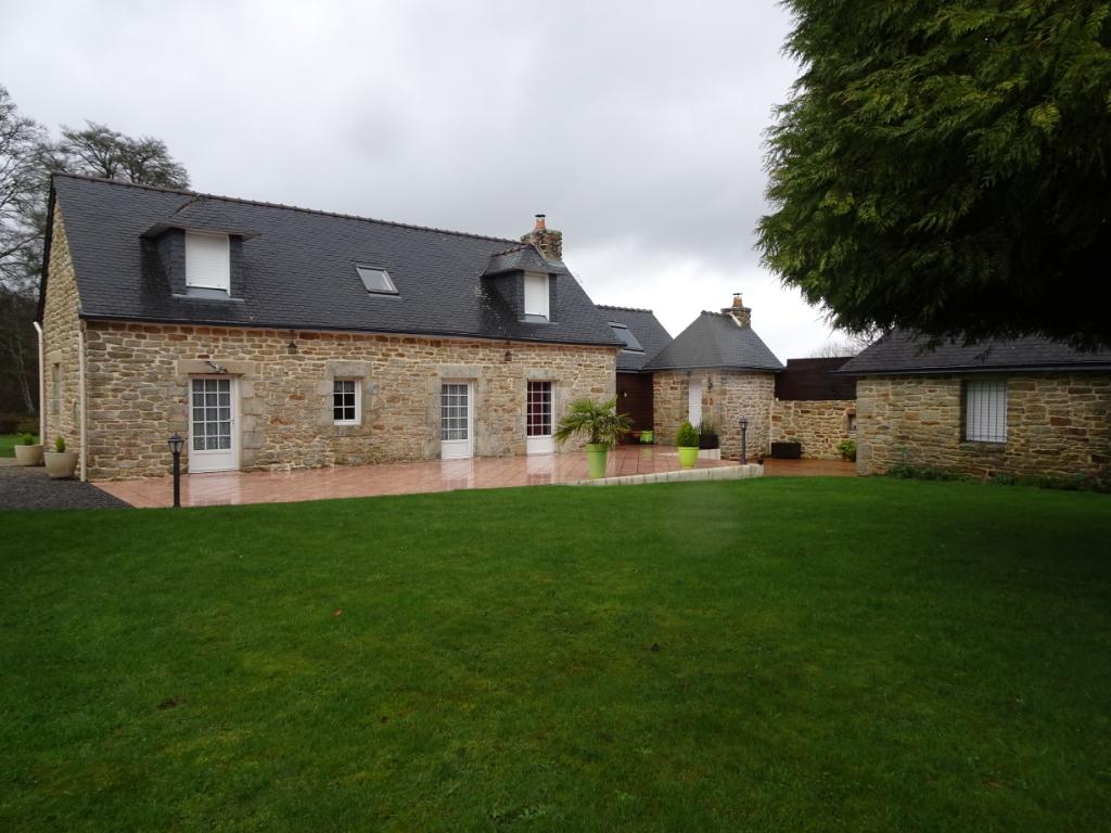 Longère (3 chambres) au calme avec vie de plain pied sur 1846 m² de terrain