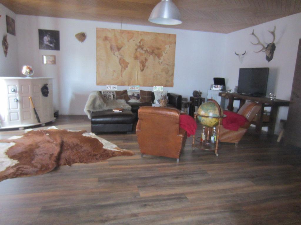 ROSPORDEN - APPARTEMENT  160 m²